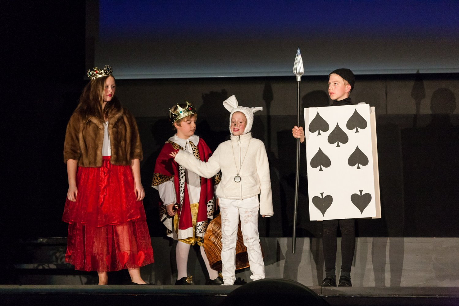 2013 Kindertheater - Alice im Wunderland
